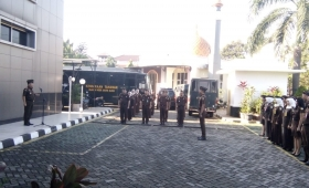 Head of South Jakarta District Attorney Service lead the Monday Ceremony